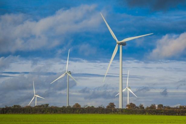wind-turbines-field - pixabay